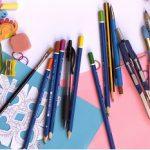 Alcuni strumenti per colorare, dipingere e ritagliare
